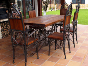 Кованый стол и стулья под заказ